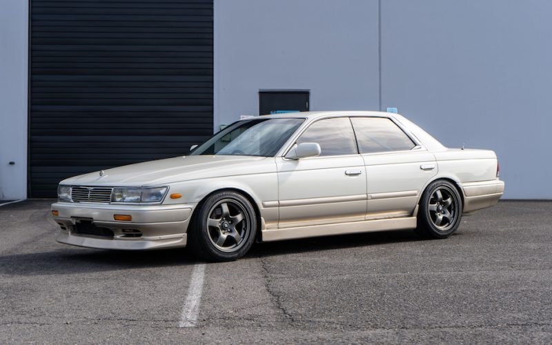 1992 Nissan Laurel 01
