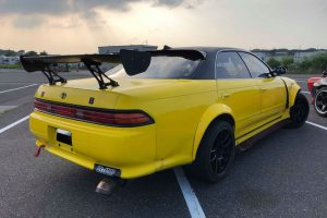 1994 Toyota Mark II yellow 16